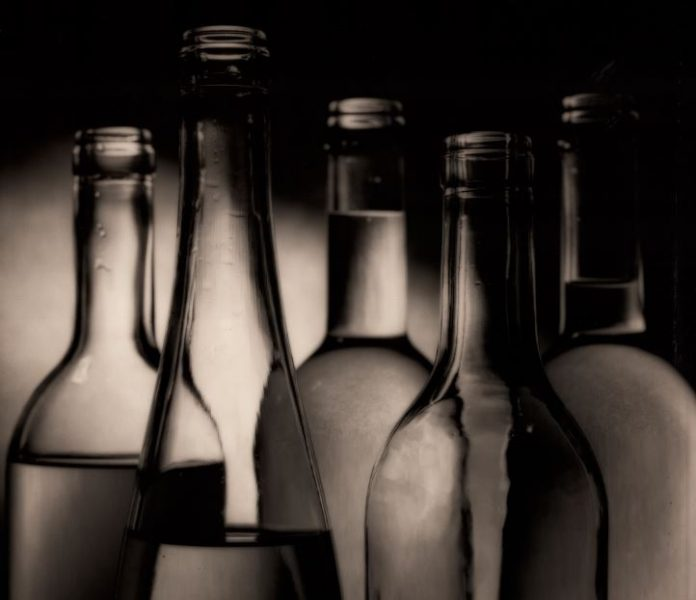 Botella de vino, por que de vidrio