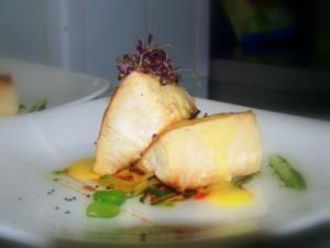 pez mantequilla sobre asadillo