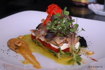 ensalada templada de sardinas con queso y hortalizas
