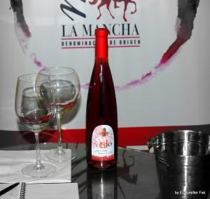botella el yugo rosado joven