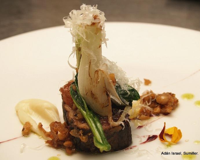 Atún,avellanas y cebolleta