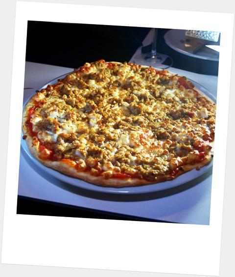Pizza y vino, divino