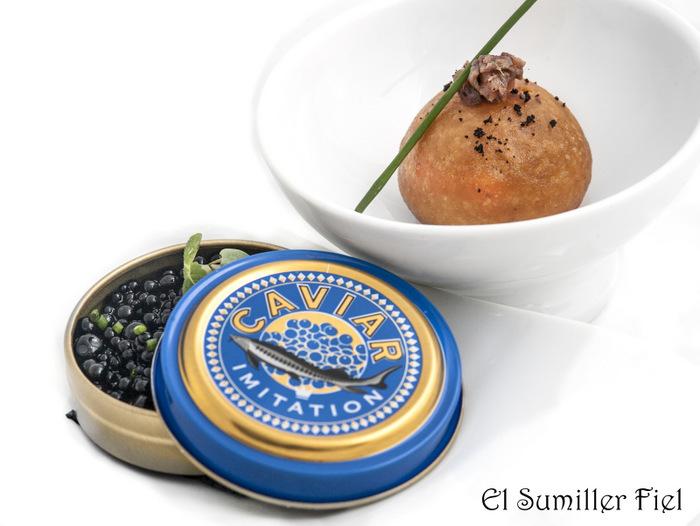 Caviar de aceituna y mollete relleno de tapenade
