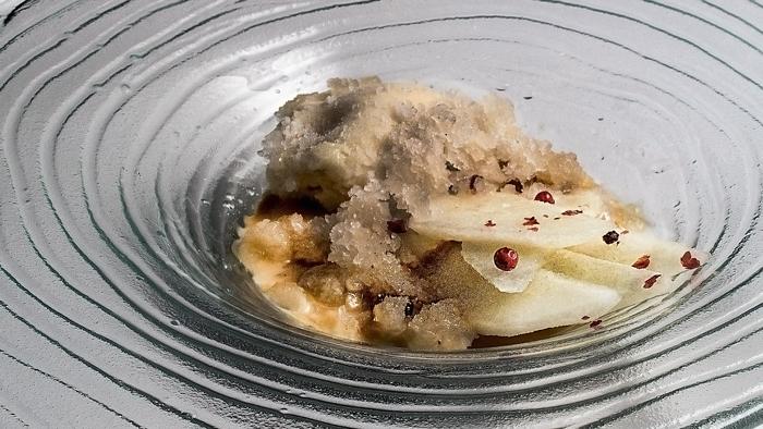 Pera-en-texturas-postre-restaurante-Maralba-700