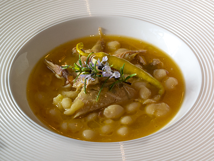 Judías-con-Perdiz-Taberna-Gastronómica-Las-Rejas-700