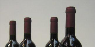 Botellas de vino tinto DO La Mancha