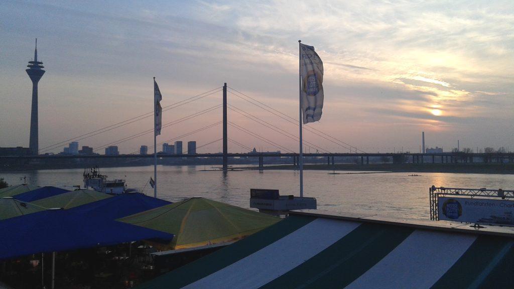 El Rhin vertebra la fisonomía urbana de Düsseldorf