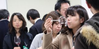 Periodistas japoneses en el seminario degustación