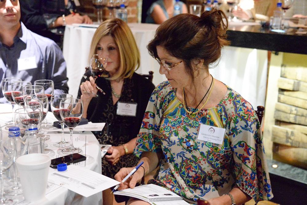 Dos periodistas americanos se interesan por los vinos con DO La Mancha