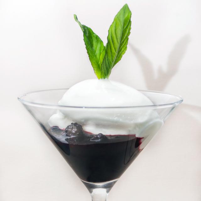 Helado-de-yogurt-y-frutos-rojos-640
