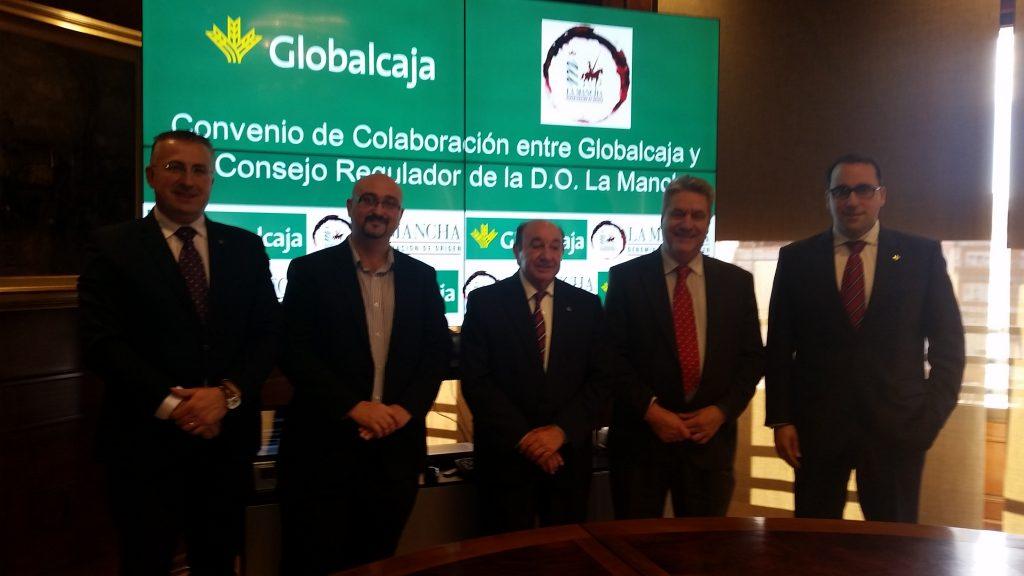 Representantes de Globalcaja y DO La Mancha