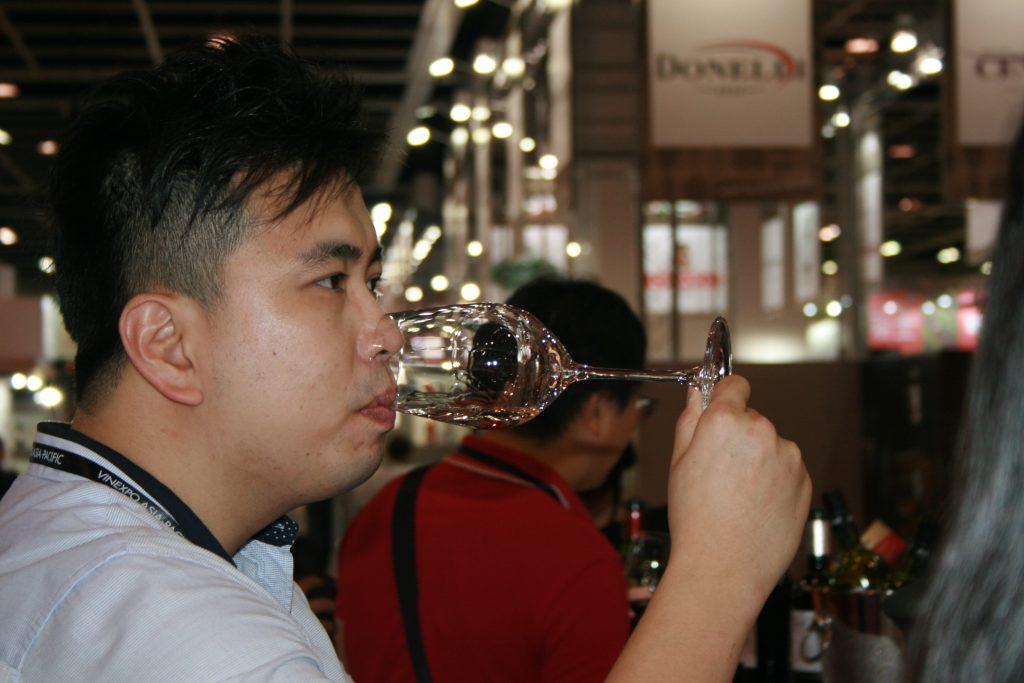 China ocupa todavía el puesto trigésimo sexto en el consumo mundial de vino