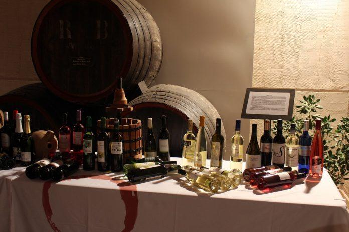 Bodegón con los vinos premiados DO La Mancha en el XXIX Concurso