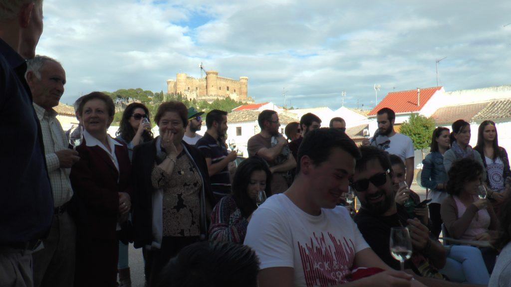 El año pasado la cata se realizó frente al imponente castillo de Belmonte