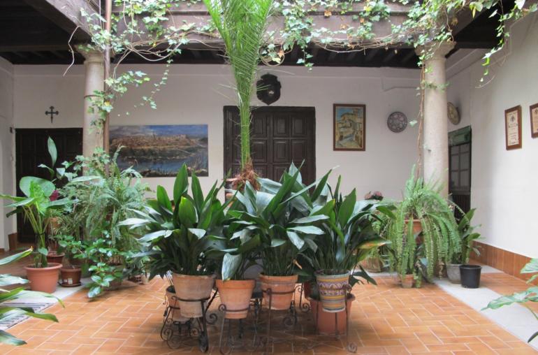 Patios de Toledo. Calle Aljibes, 10.