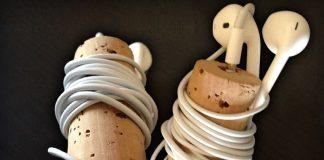 Reciclar corcho para recoger auriculares