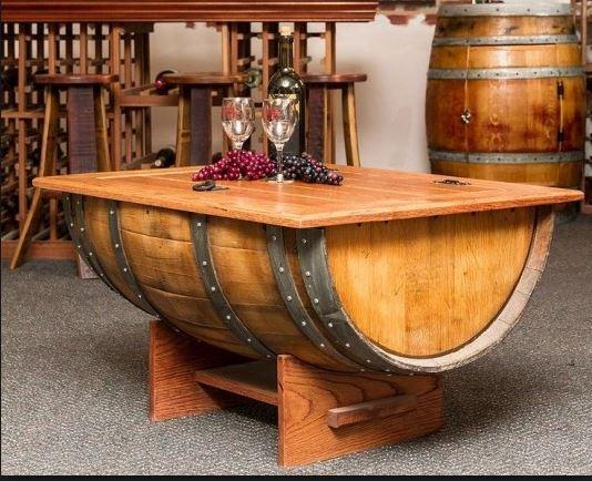 mesa reciclada, con vinos DO La Mancha