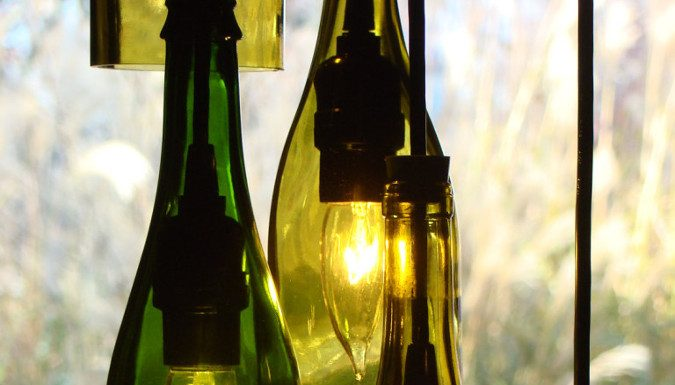 reciclar botellas de vino como lampara