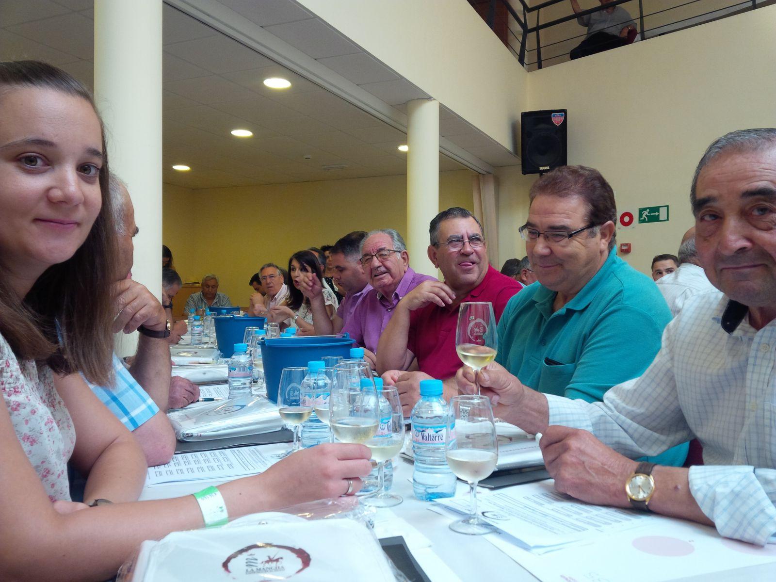 Algunos de los participantes en Maestro del vino