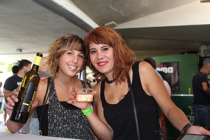 tentes pudieron degustar un vino DO La Mancha en el Croma Day