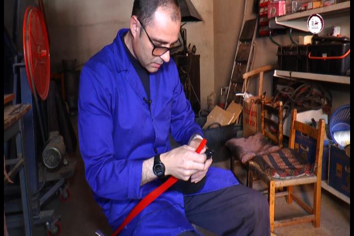 Pedro Alhambra representa más de cuatro generaciones de artesanos boteros
