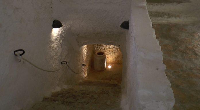 La tradición sitúa aqui la cárcel donde Cervantes estuviera preso