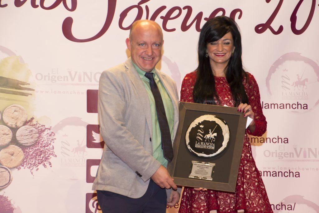 aroa-escudero-fue-premiada-como-joven-talento-profesional-en-la-direccion-de-hotel