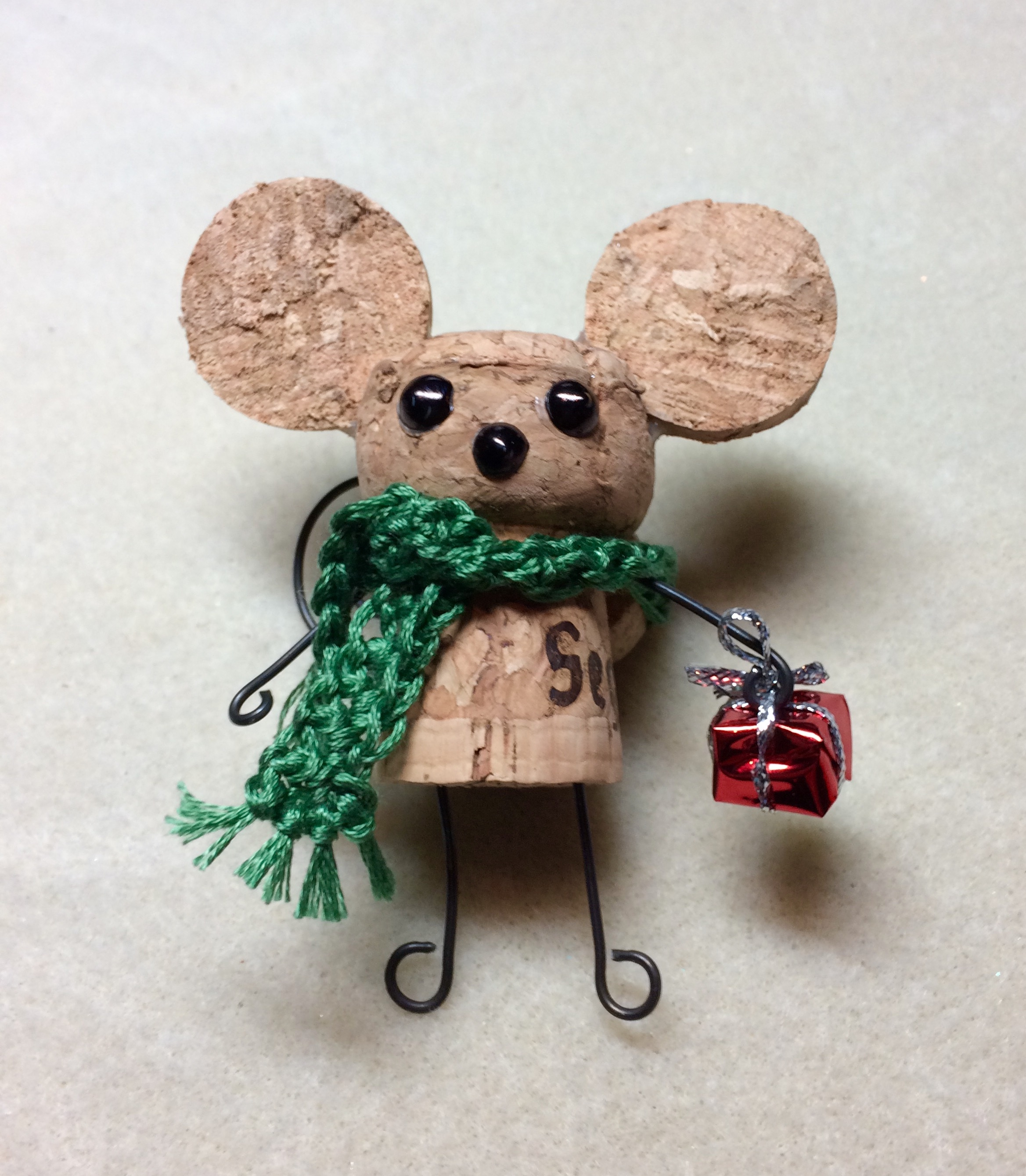 christmas diy cork mouse