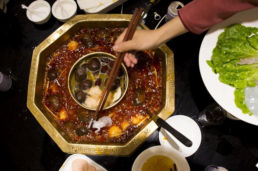 La comida china suele llevar potentes salsas picantes