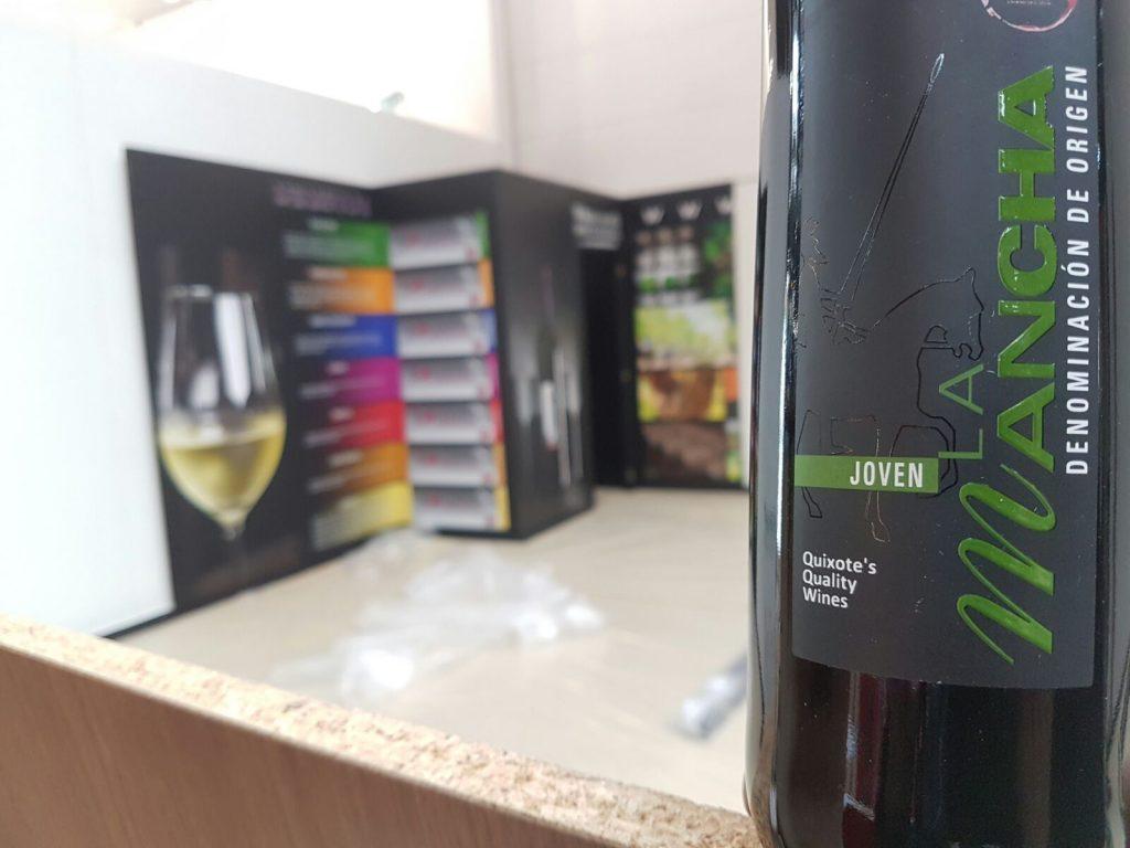 Montando stand vinos de La Mancha en Prowein 2017