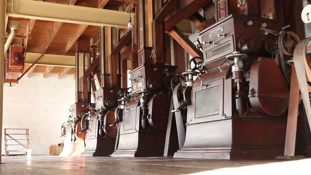 antigua-maquinaria-de-la-harinera