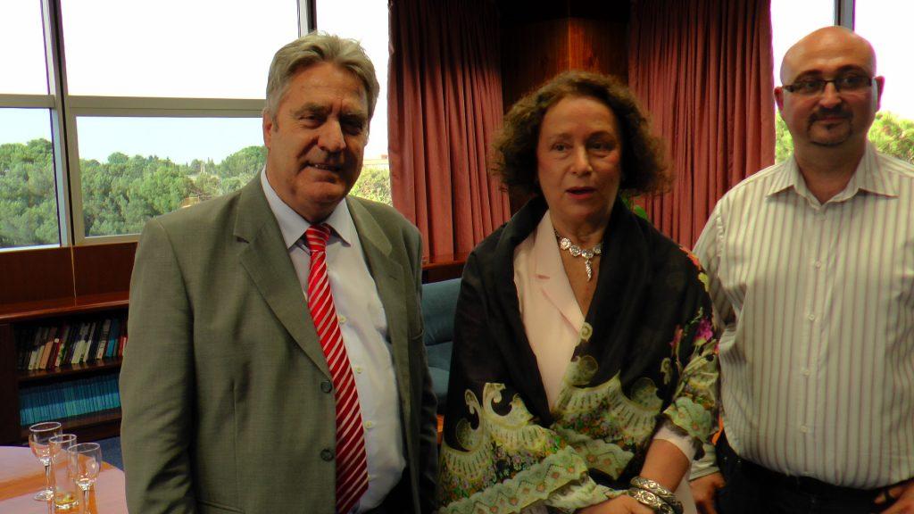 Representantes del Consejo Regulador con Ana Palacio, exministra de Asuntos Exteriores