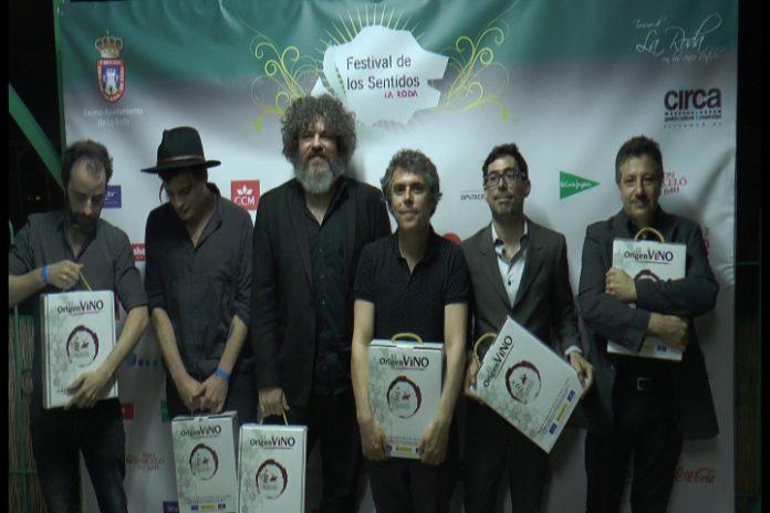 Ivan Ferreiro y su banda en el 2014