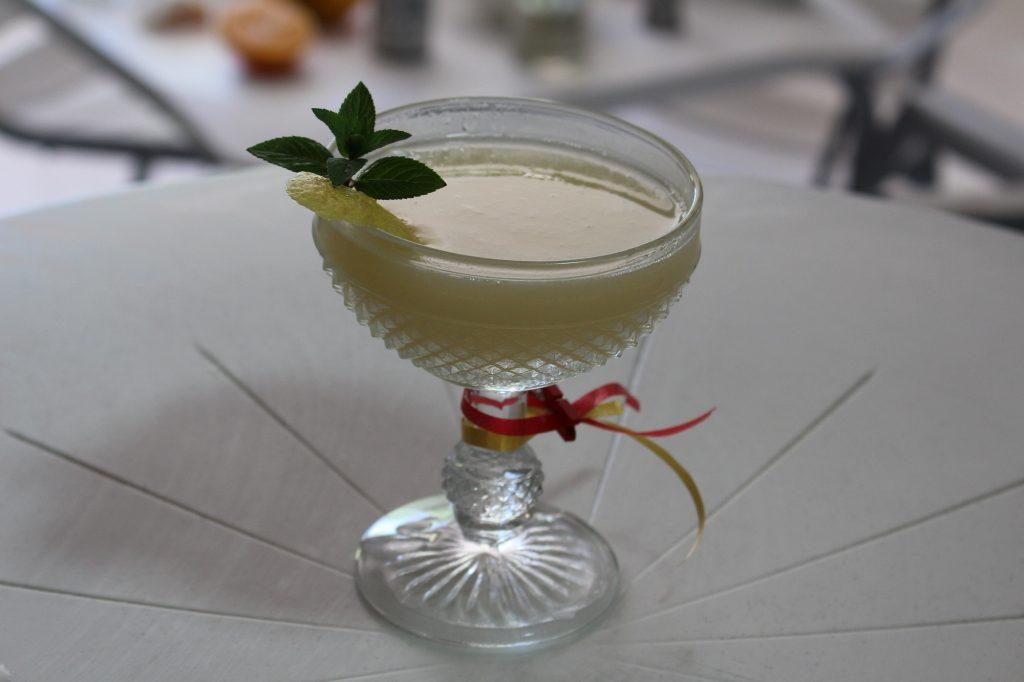 Refrescante cóctel con vino blanco DO La Mancha