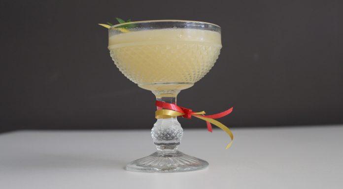 Coctel con vino blanco DO La Mancha