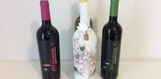 Reciclar una botella de vino con cáscara de huevo y decoupage