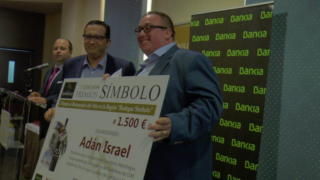 Adán Israel, sumiller premiado como Restauador del Año