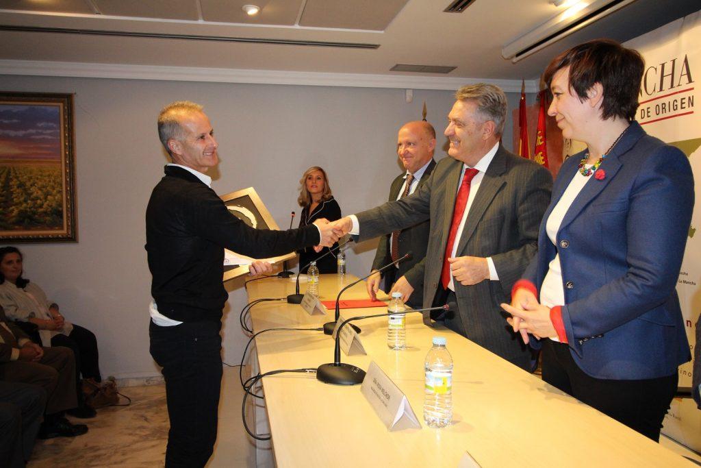 las-angustias-de-uli-de-joaquin-ortiz-primer-premio-concurso-literario-lorenzo-serrano