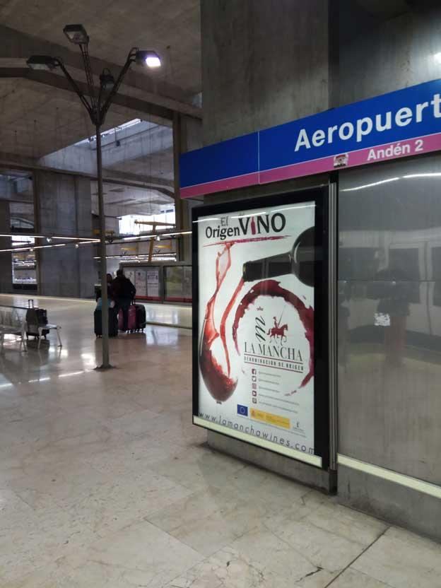 publicidad-en-quioscos-el-origen-del-vino-metro