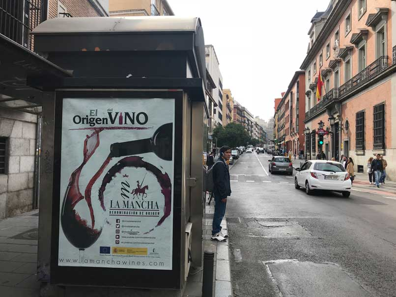 publicidad-en-quioscos-el-origen-del-vino-san-bernardo-44_2