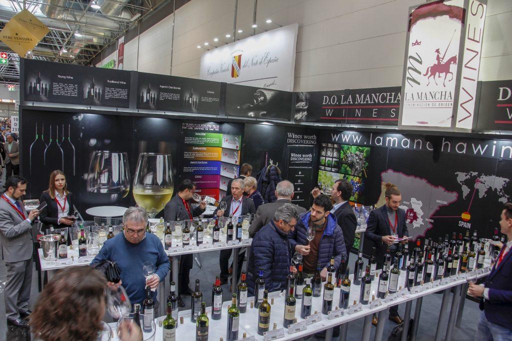 Stand de vinos en Prowein 18