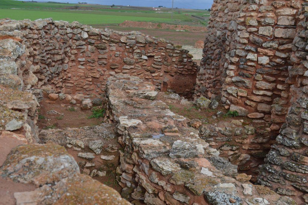 Muros de la Motilla del Azuer