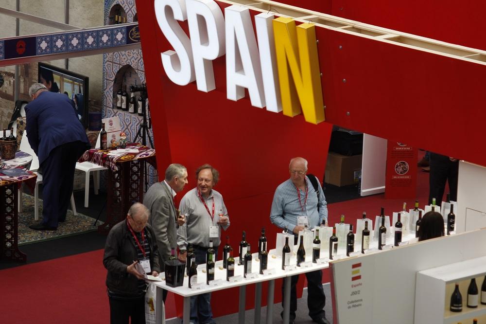 España sigue produciendo más de lo que consume