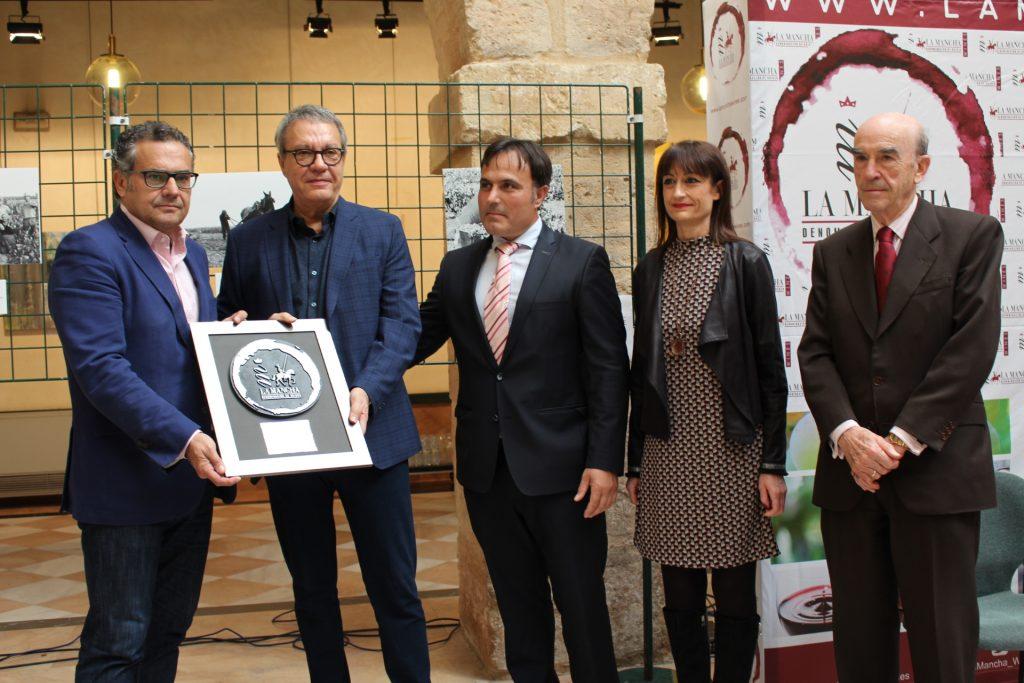 Manuel Juliá, director de FENAVIN, Premio Fidelidad al Vino