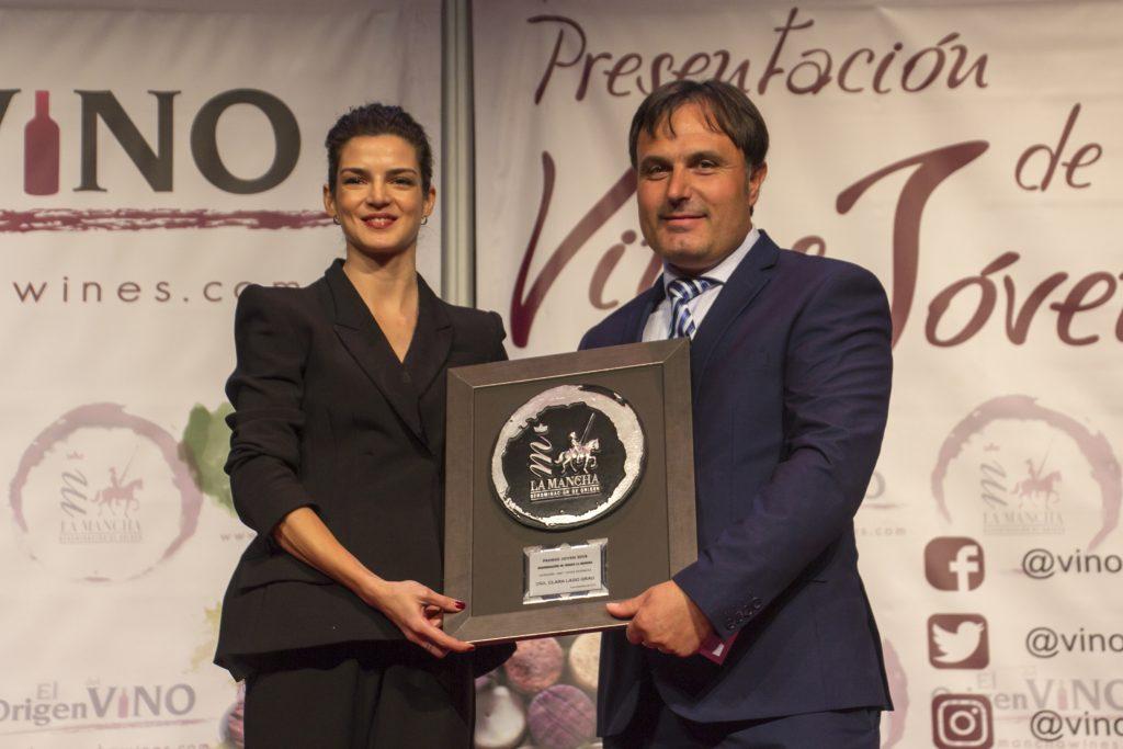 Clara Lago, Premio Joven Solidario en Artes Escénicas DO La Mancha