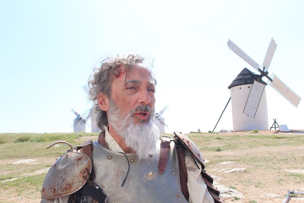 Javier Coll como díscolo Don Quijote