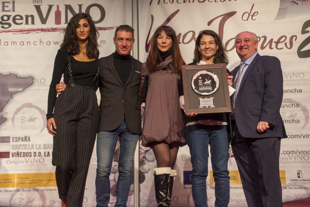 Parte del equipo de La casa de Papel, Premio Joven Solidario en 'Espectáculo'