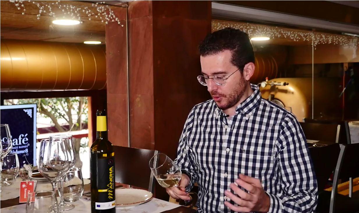 cómo catar un vino Macabeo - fase visual