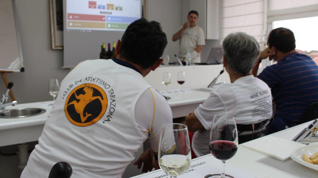 Cata realizada por los wine runners en el Consejo Regulador