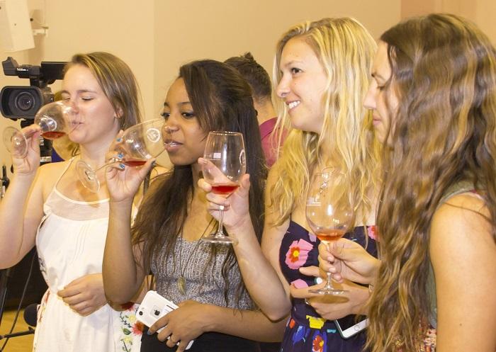 El colectivo joven femenino suele optar por rosados semisecos